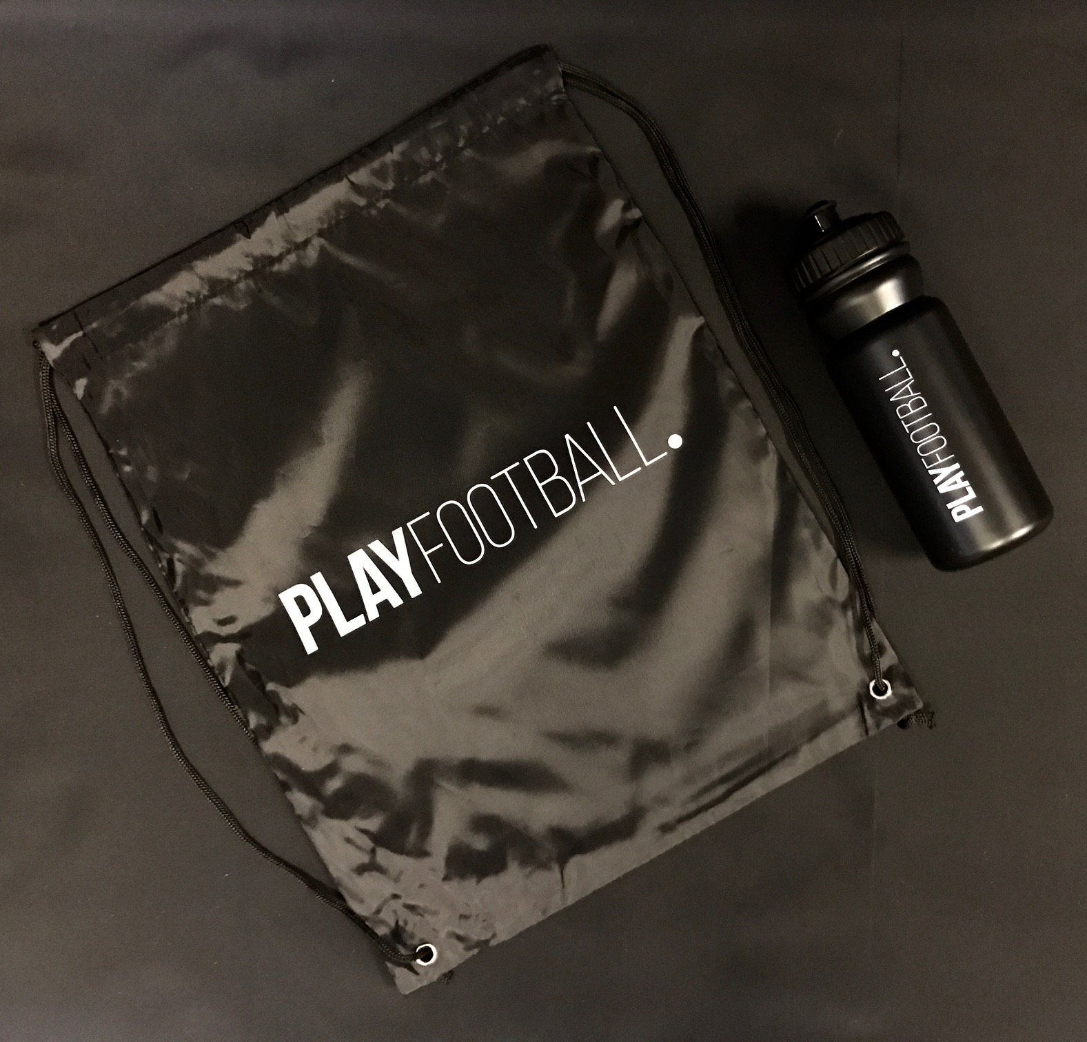 5. Playfootball water bottle & Drawstring Bag picture 1